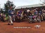 Afrikanerkinder und eine Drohne