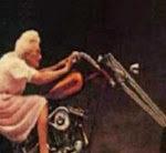 Meine Oma fährt im Hühnerstall Motorad