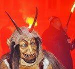 Krampus Parade mit viel Feuer